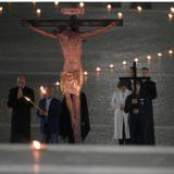 Viernes Santo: Jesús sigue crucificado en los sufridores y sufridoras de hoy